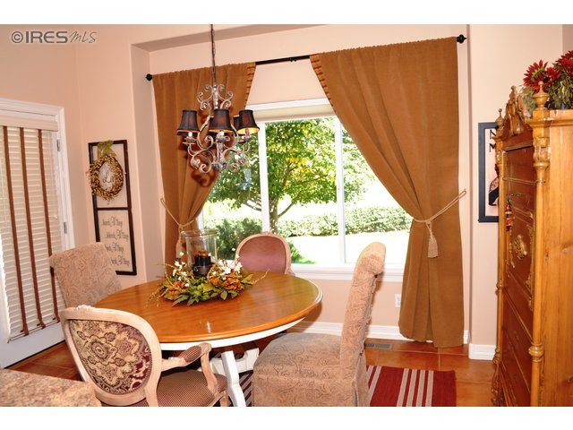 Dining/Breakfast Nook Opens to Patio