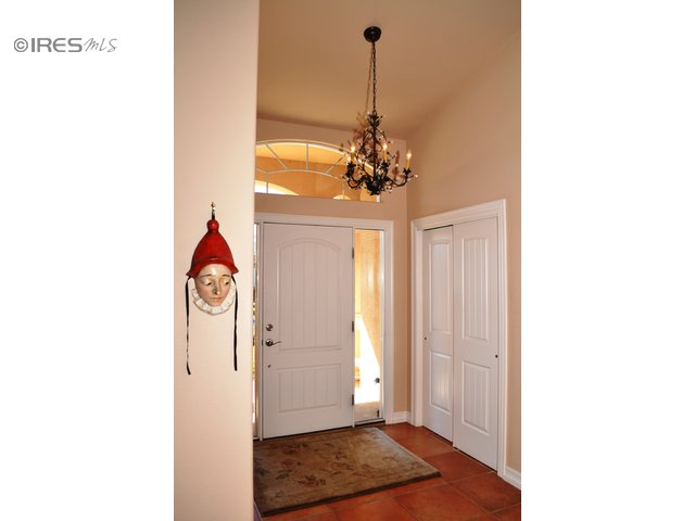 Lovely Entry/Large Closet