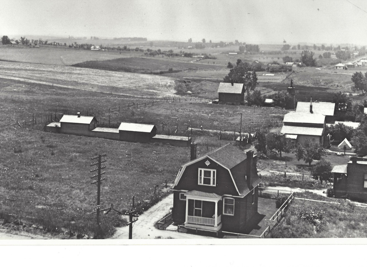 Photo of home in 1908 (south)