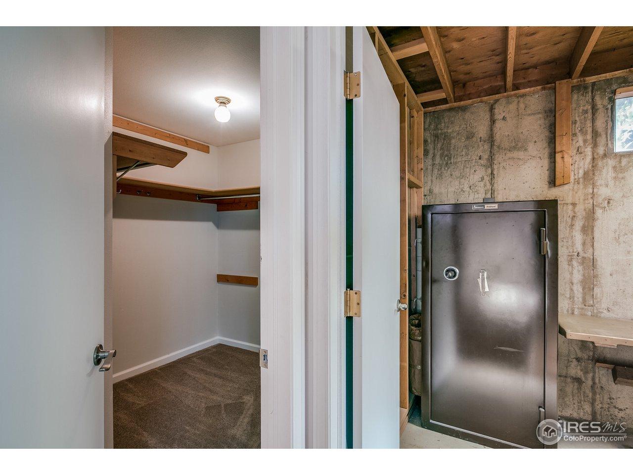 Walk-In Closet Basement