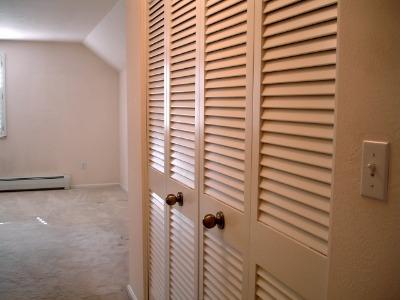 Enter master bedroom suite