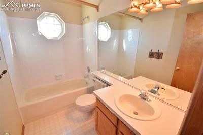 Upper level bathroom.