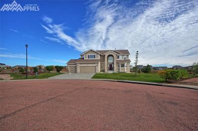 The large homesite provides lots of elbow room!