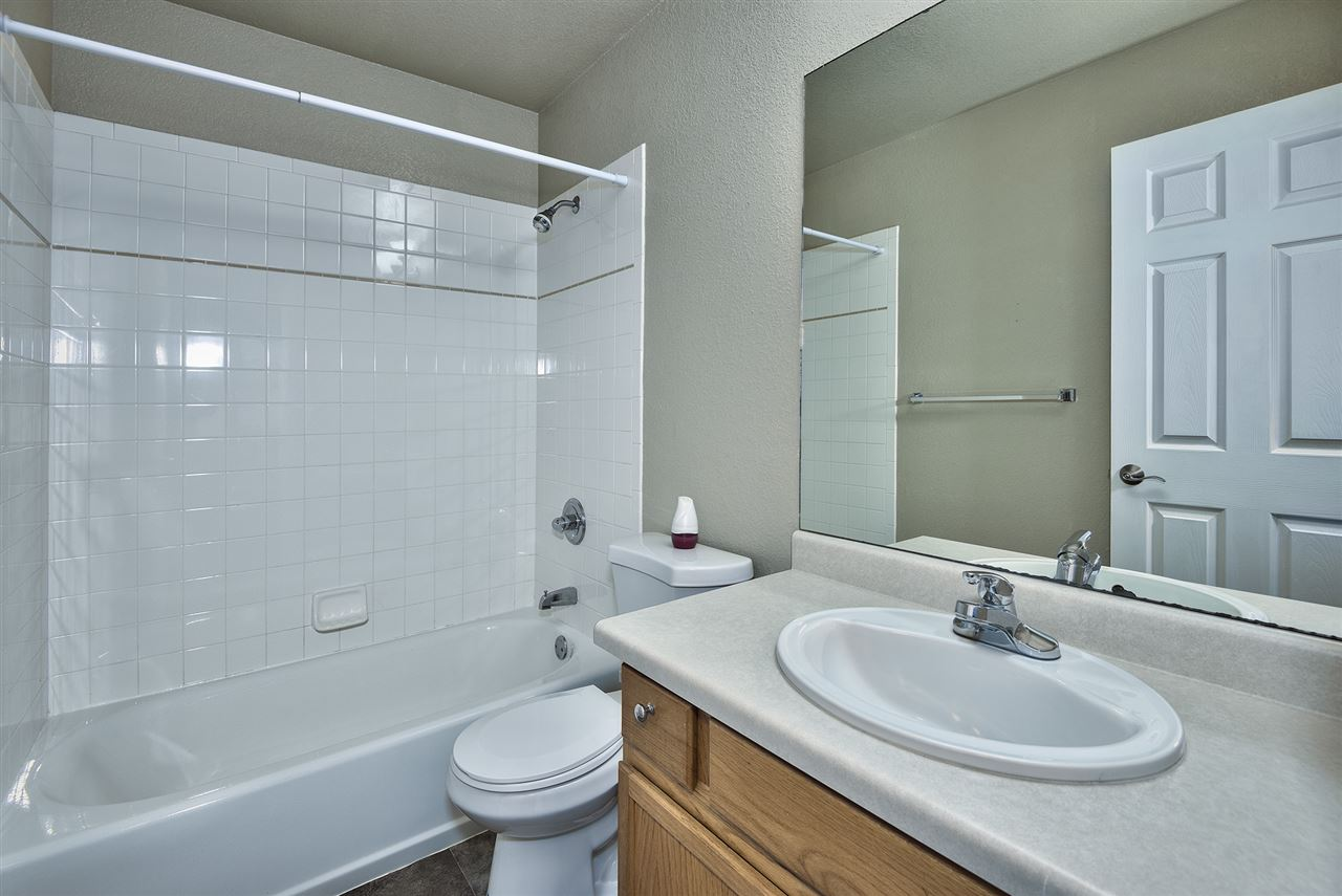 Full Guest Bathroom for the Upstairs Bedrooms!