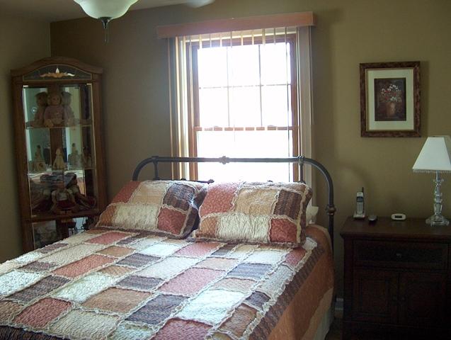 Master Bedroom (12x9) HW Floors