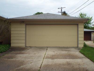 Detached 2.5 Car Garage w/EDO