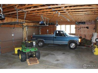 oversized3 car garage
