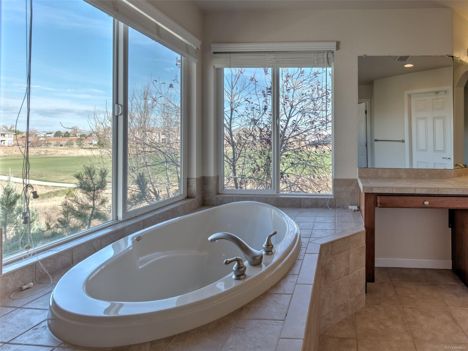 Luxury Soaking Tub!