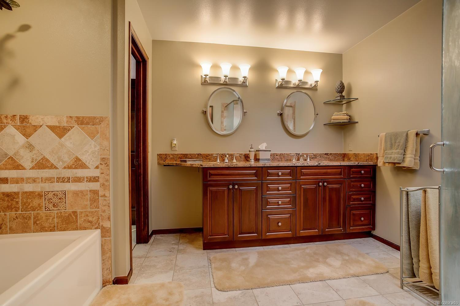 MASTER BATH SHOWER WITH DUAL SHOWER HEADS