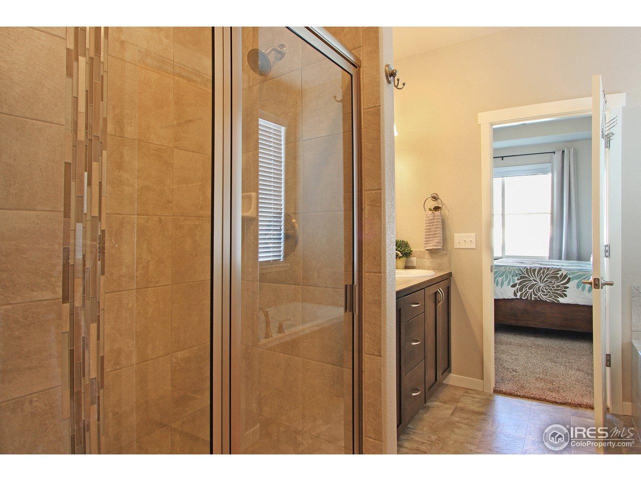 Master 5' Tiled Shower
