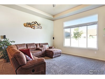 12' Light and Bright Great Room