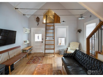 Carriage House Living-S Loft