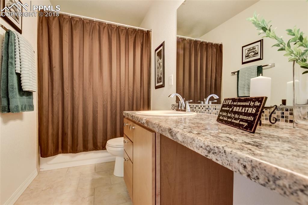 Full bath upstairs