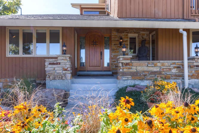 Stunning front entry