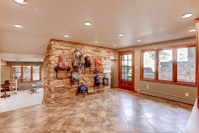 Walk-out mud room