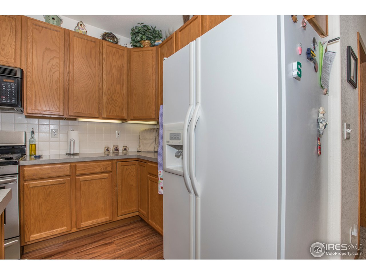 The refrigerator is included