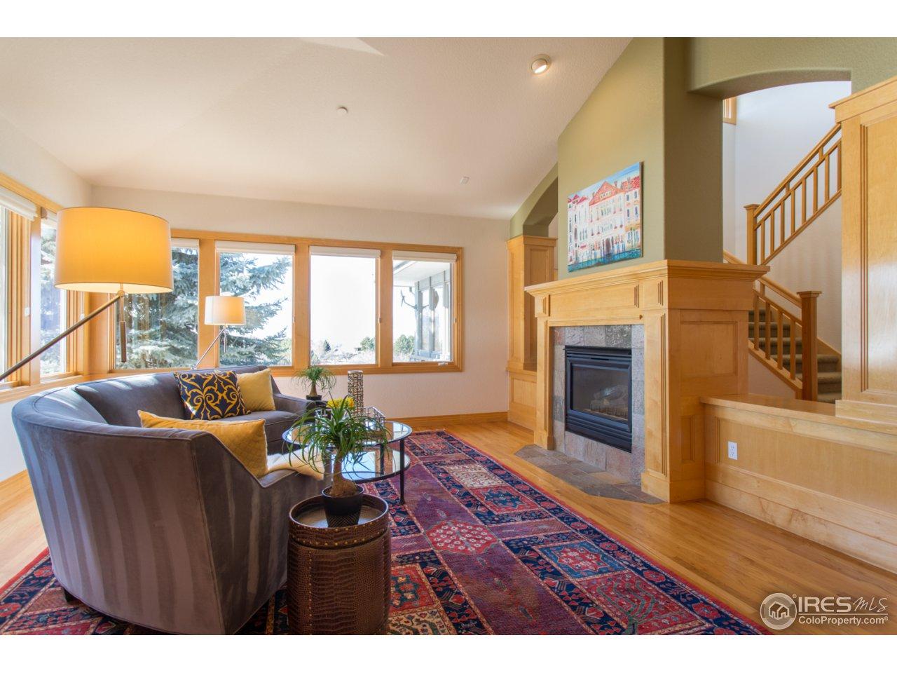 Living Room-Hardwood floors