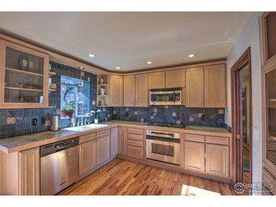 Generous kitchen!