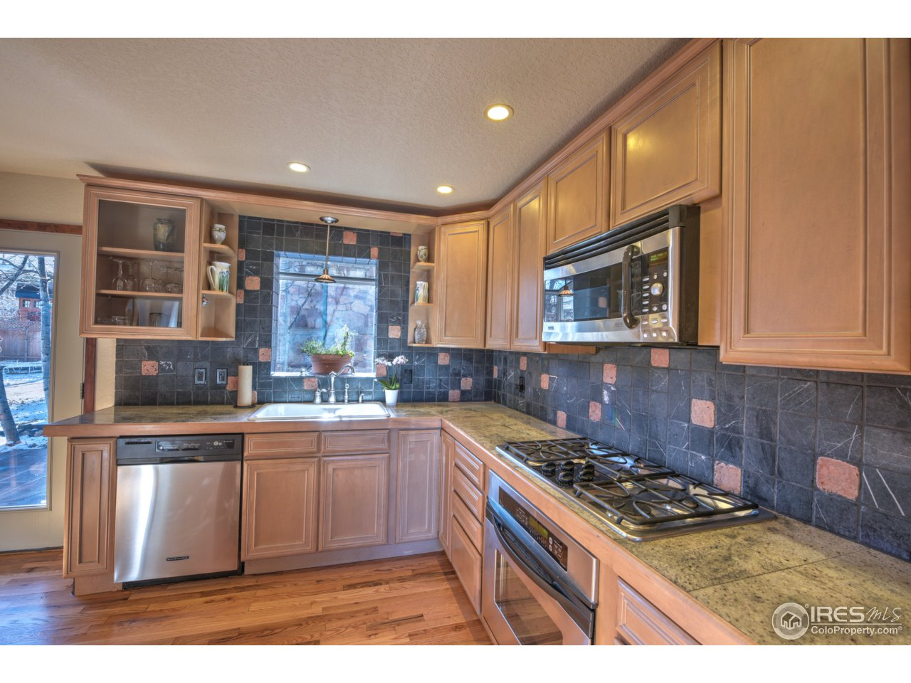 Stainless appliances!
