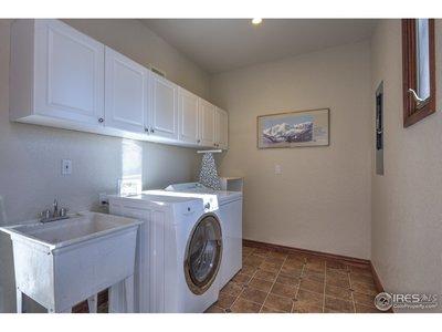 Wonderful laundry/utiltiy room!