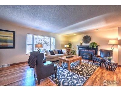 Large livingroom!
