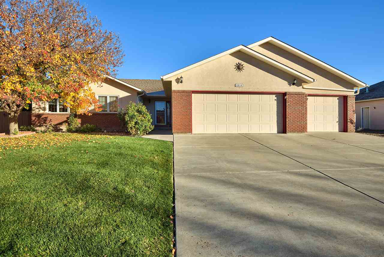 2814 Grand View Dr