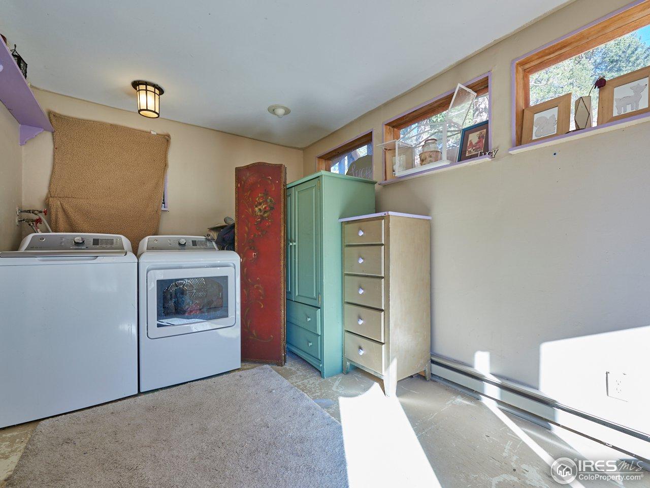 Bedroom/laundry room