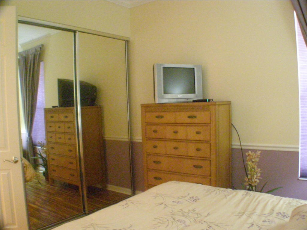 Guest Room 1 - view 2