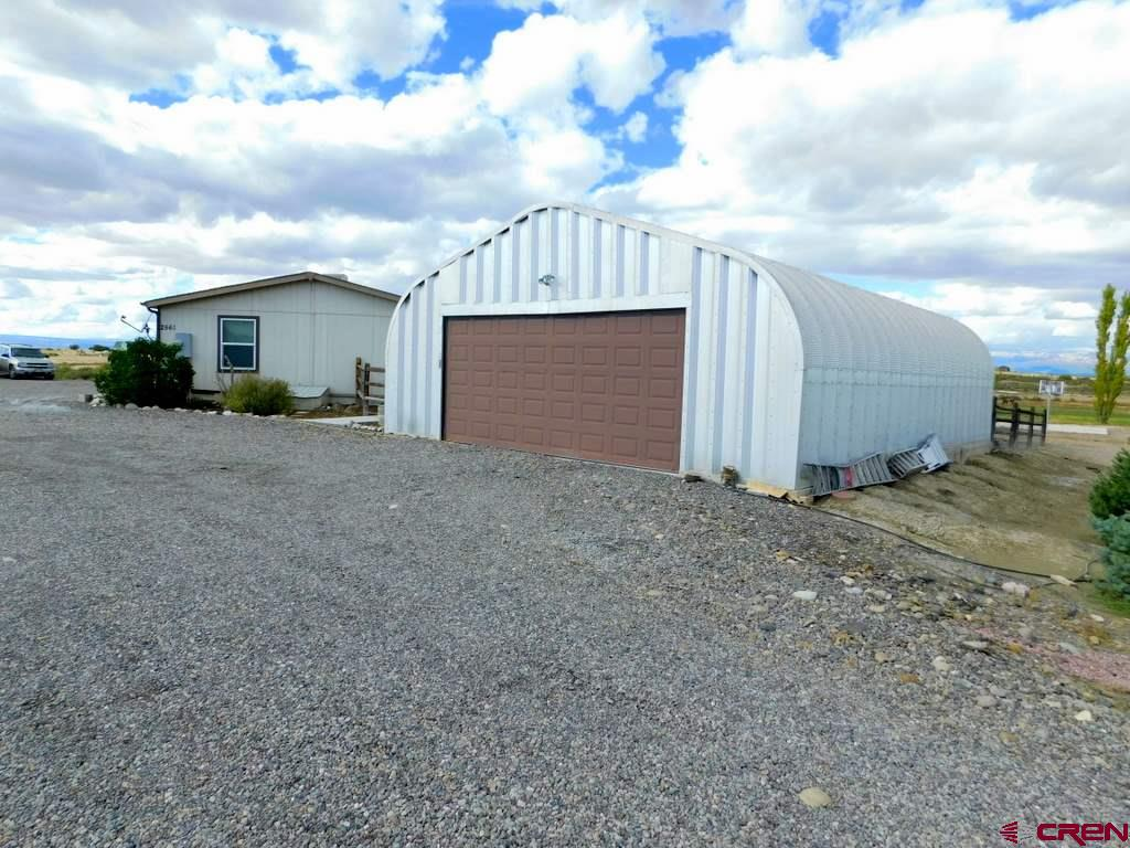 Quonset-style Garage with shop space and storage