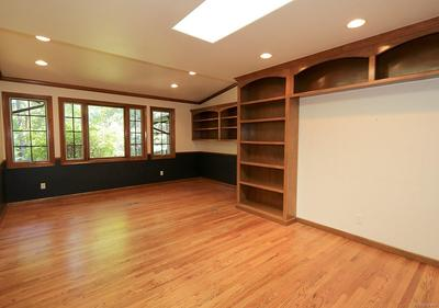 3rd Bdm Can be Office, Guest or Mother-in-law Rm