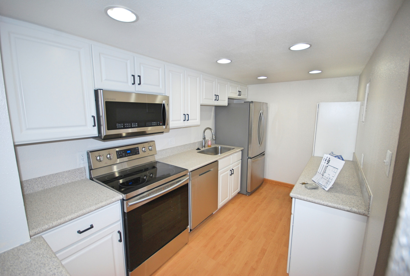 Bright Kitchen with Convection Oven