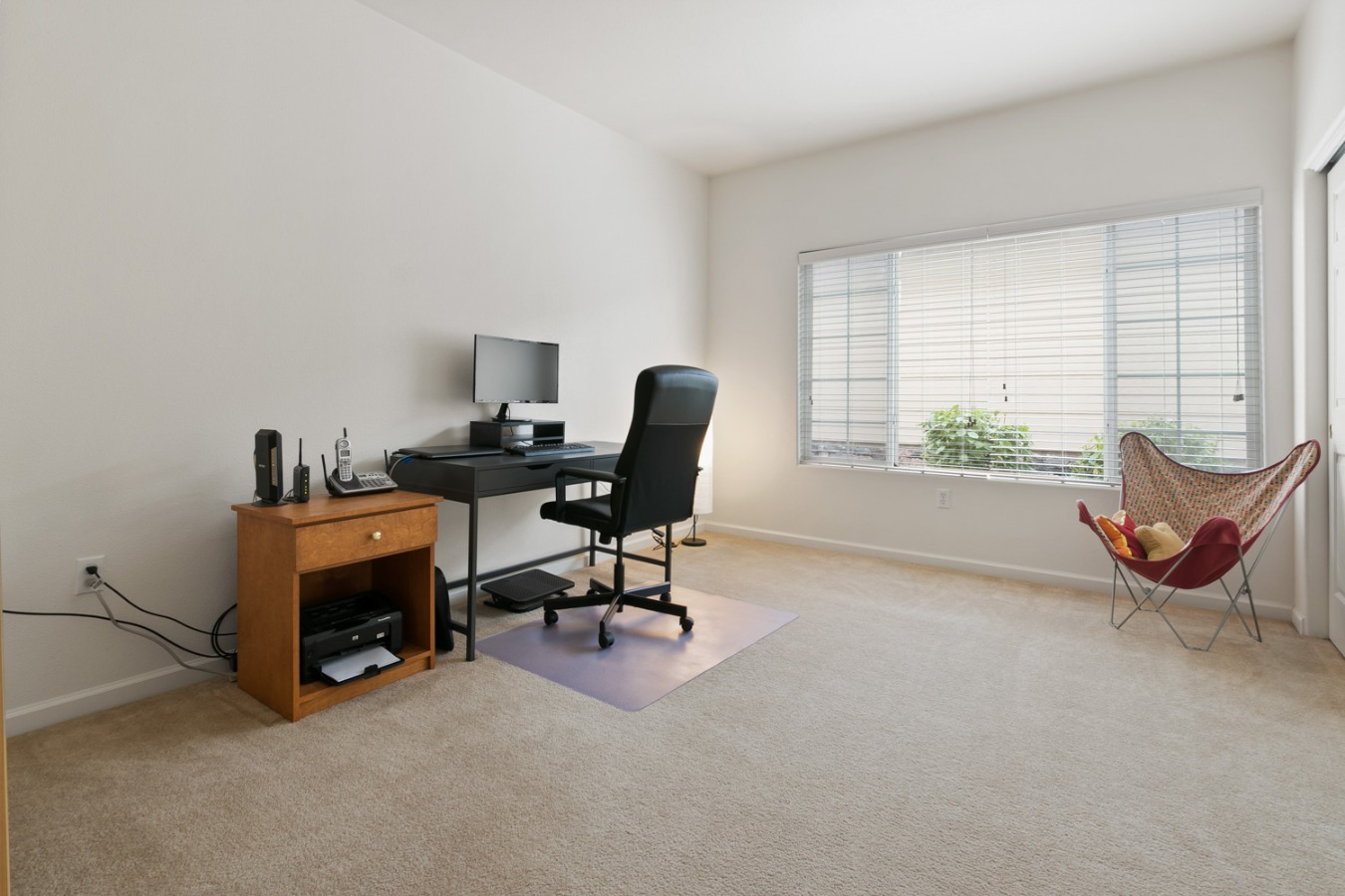 Very lg 2nd BR or home office