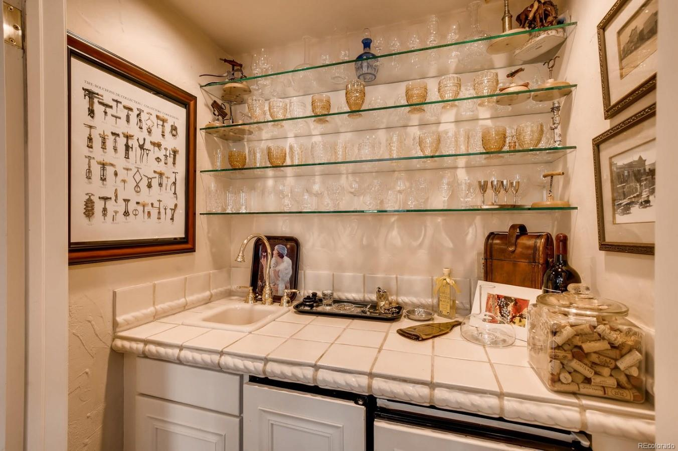 Wet Bar with Refrigerator and Ice maker
