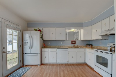 Newer Appliances Included
