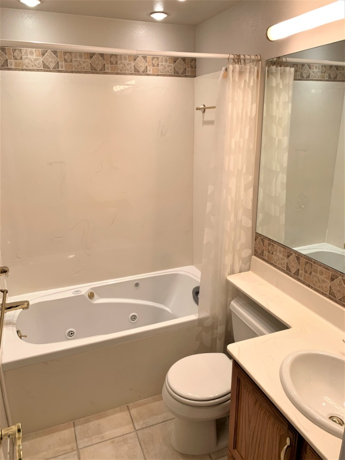 Full Hall Bathroom with Jetted Tub