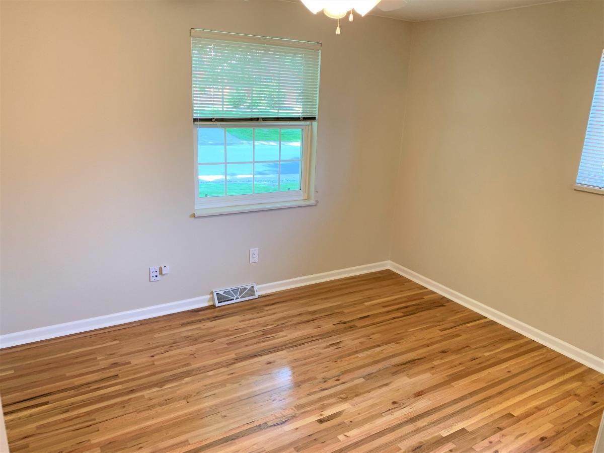 Front Bedroom, Ceiling Fan, 2 Windows