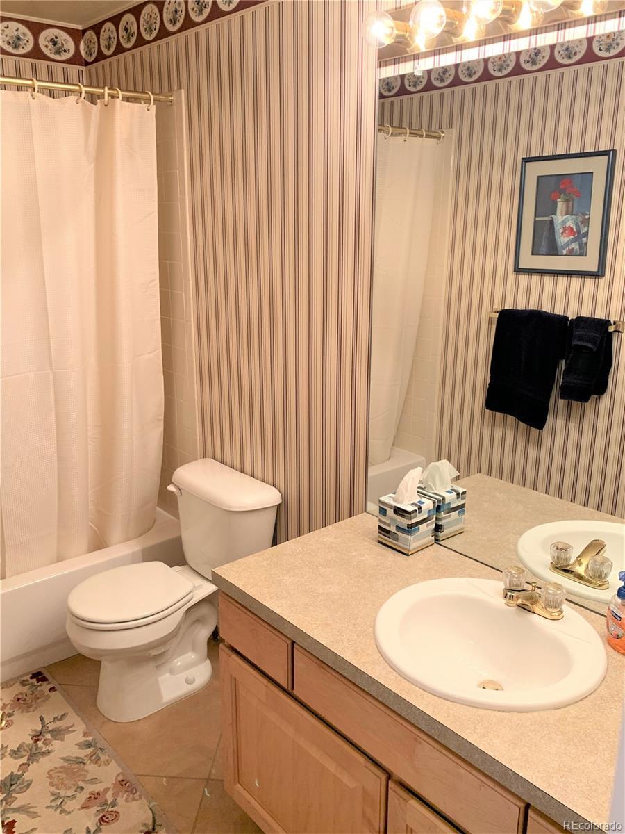 Main-Floor Full Bath
