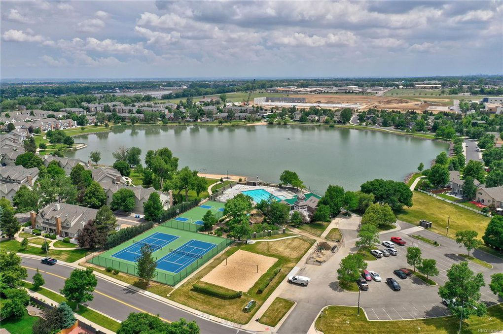 Pool, Lake, Tennis/BB courts, V-ball, Clubhouse