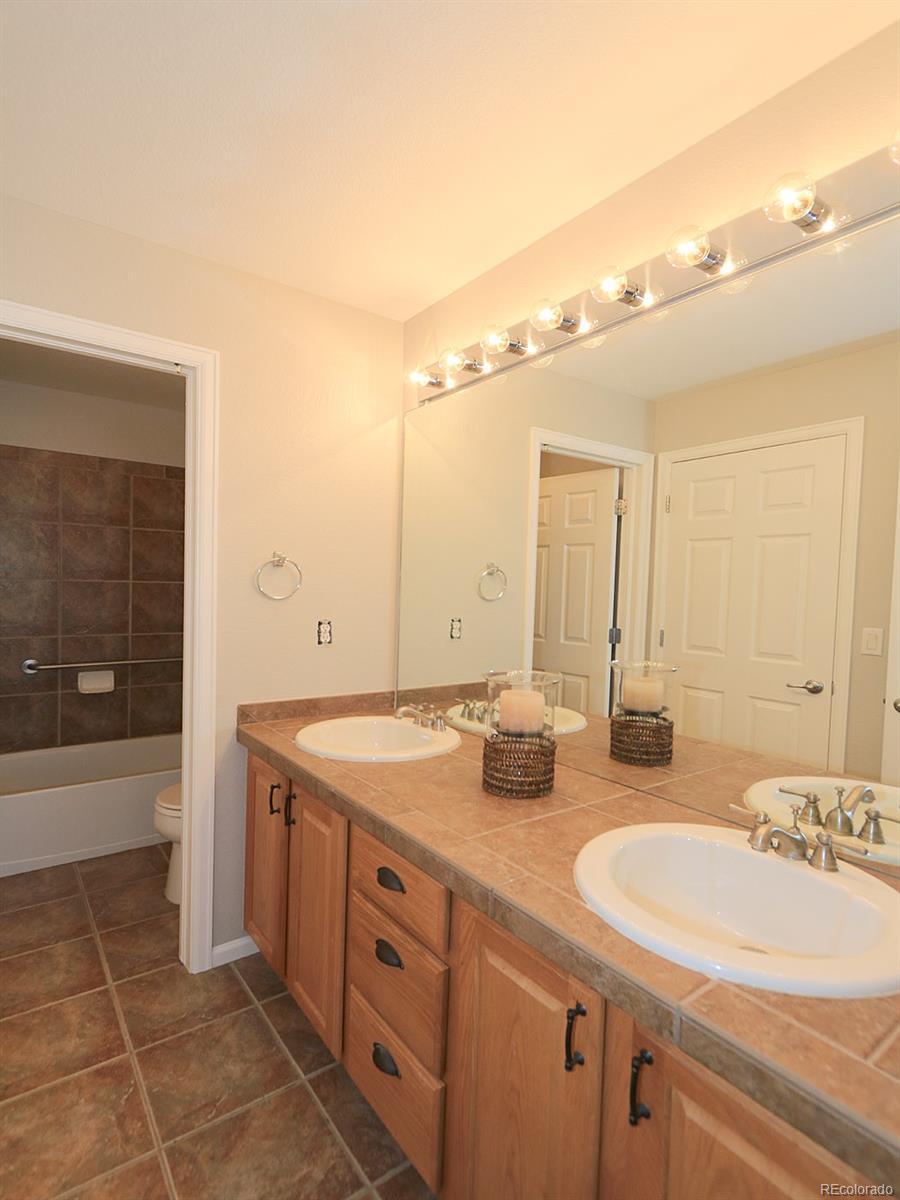 Full Bath With Dual Entrance