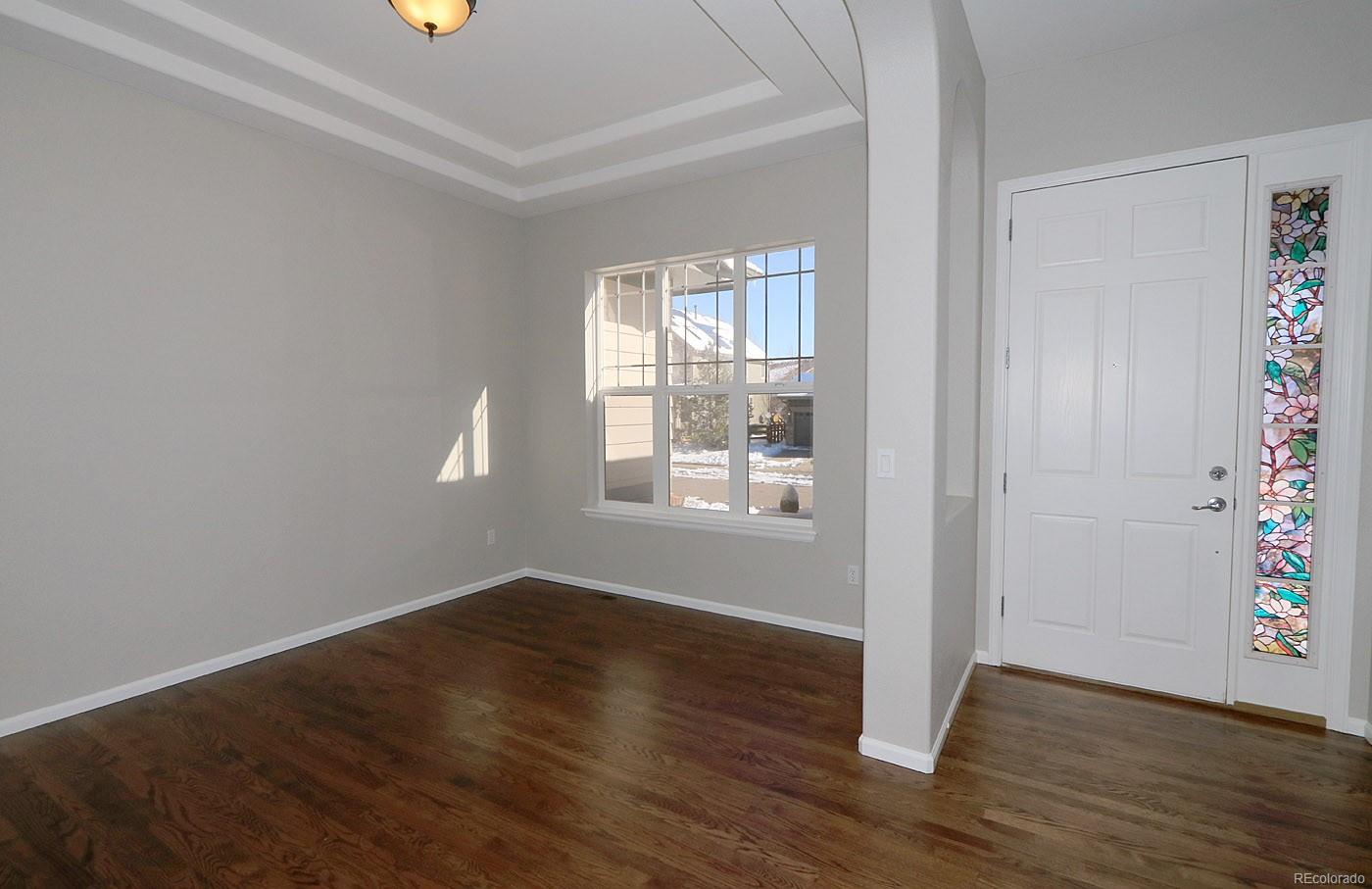 Dining Room Connects To Butlers Pantry