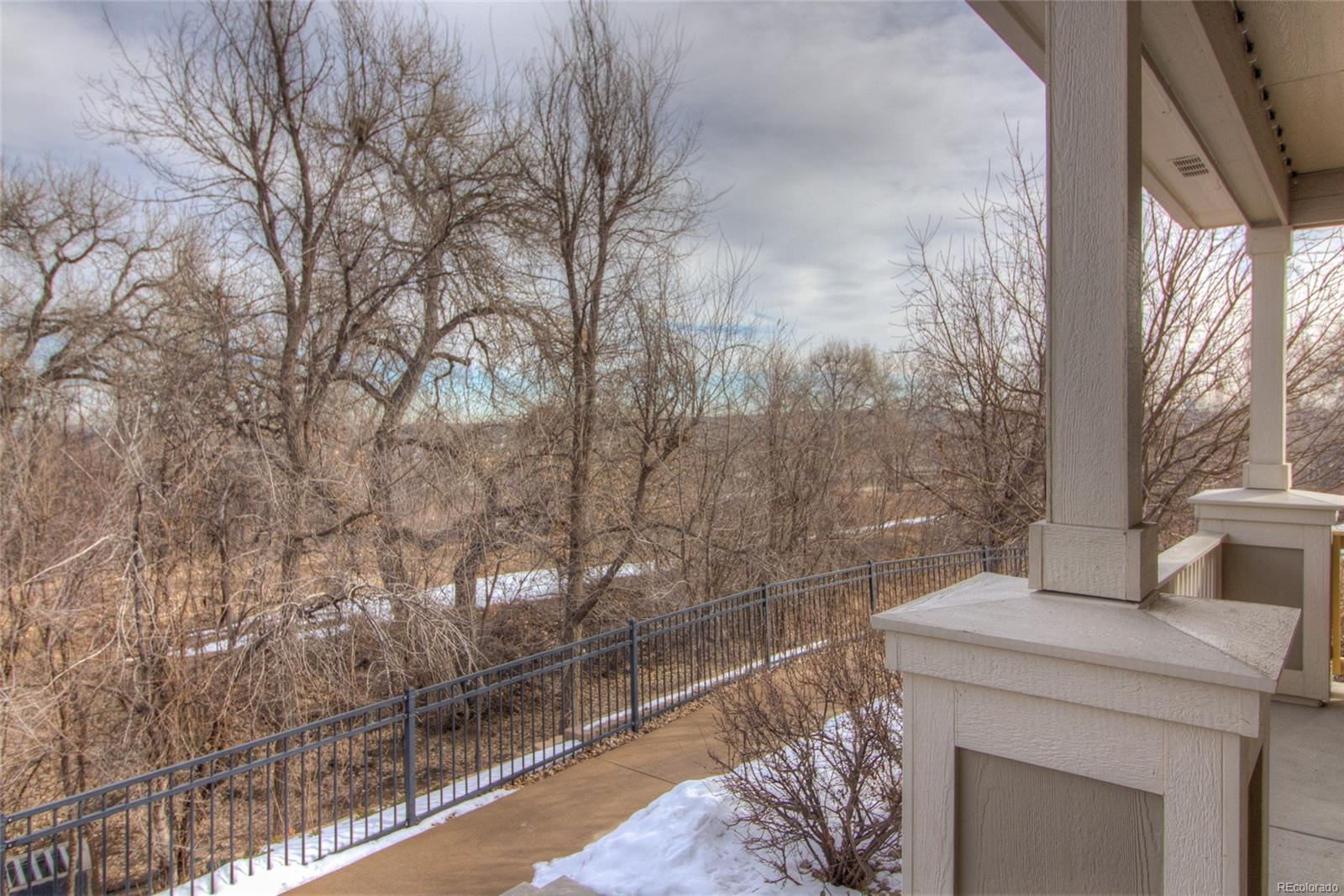 Look at this fabulous setting overlooking the Nevin/Farmers Canal. Can you imagi