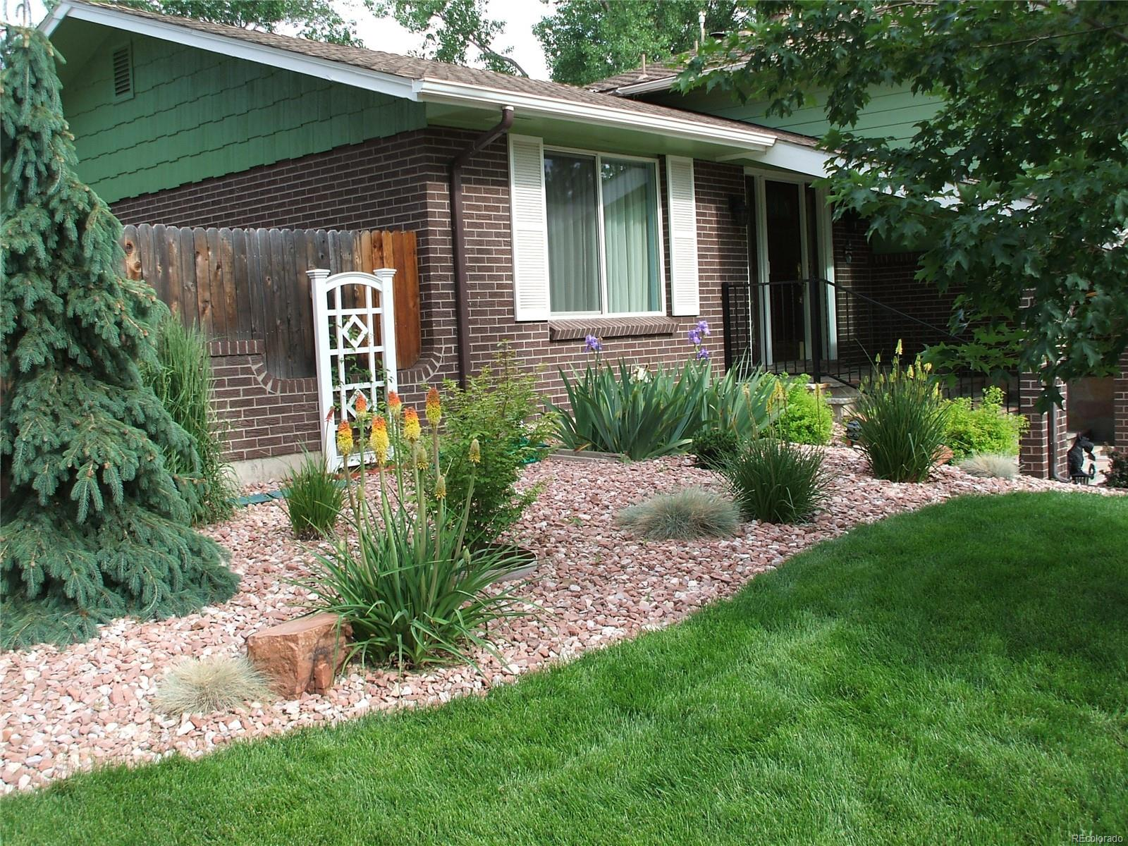 Beautifully maintained front yard landscaping