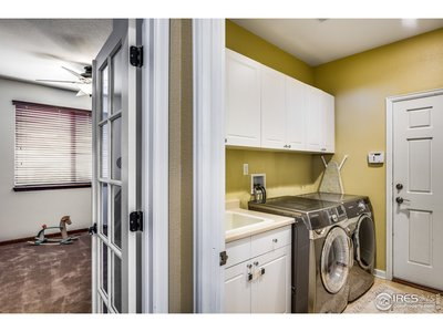 Large laundry & mud room off of garage