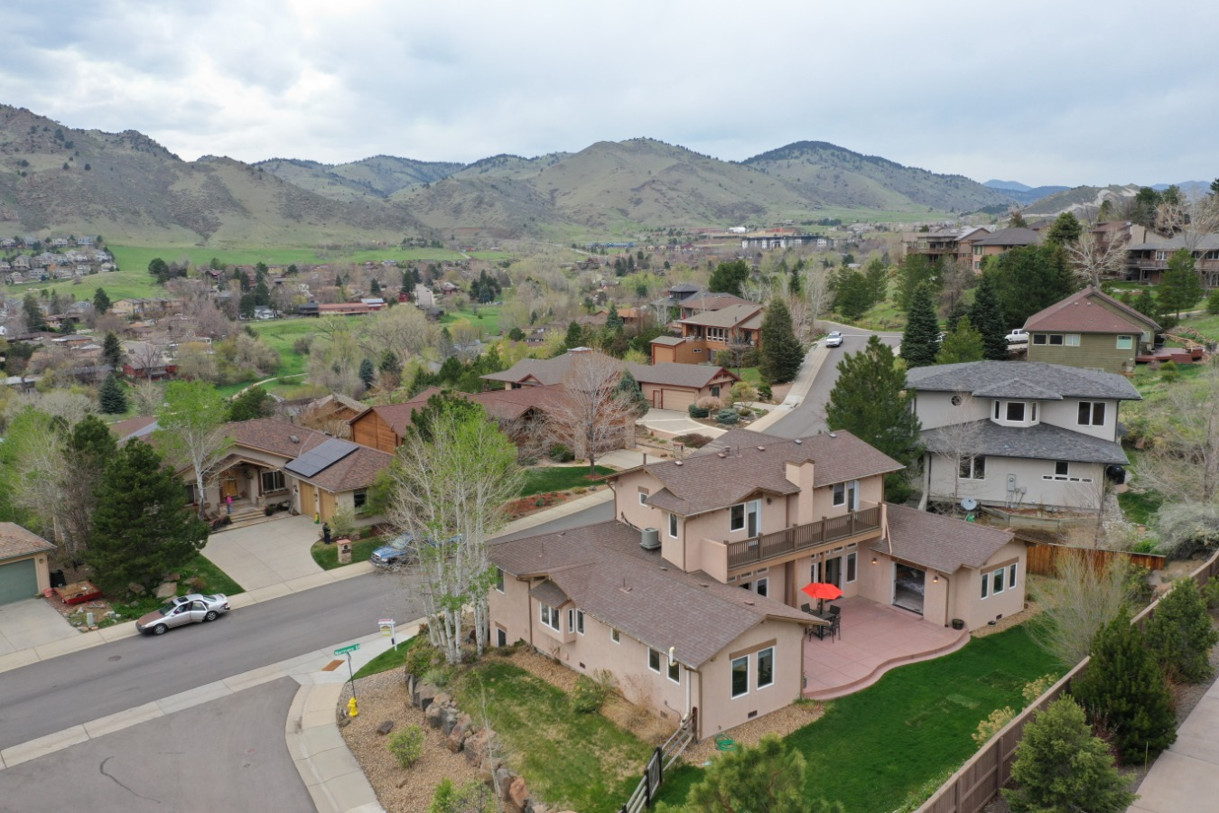 Easy Access to Boulder, Walk to Downtown Golden