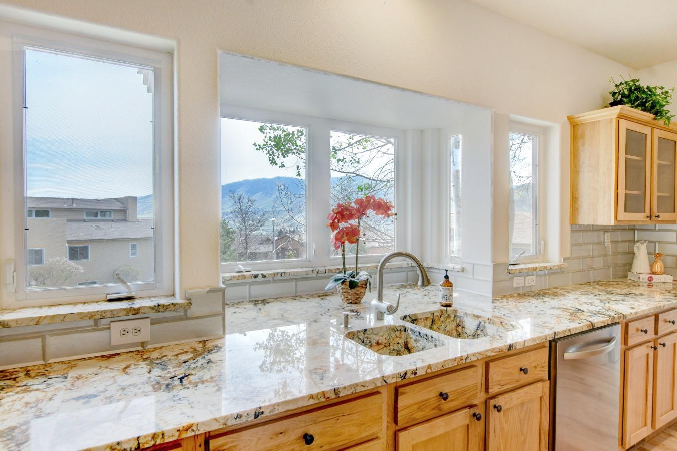 South Facing Kitchen Bay Window overlooks Golden
