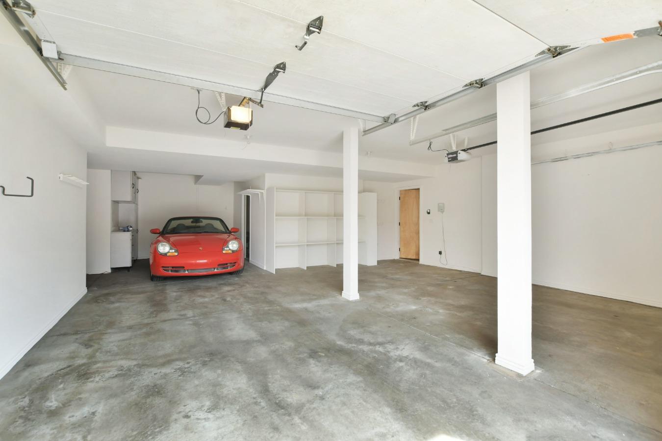 3 Car Garage (left side tandem)