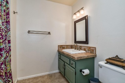 Full Upstair Bathroom