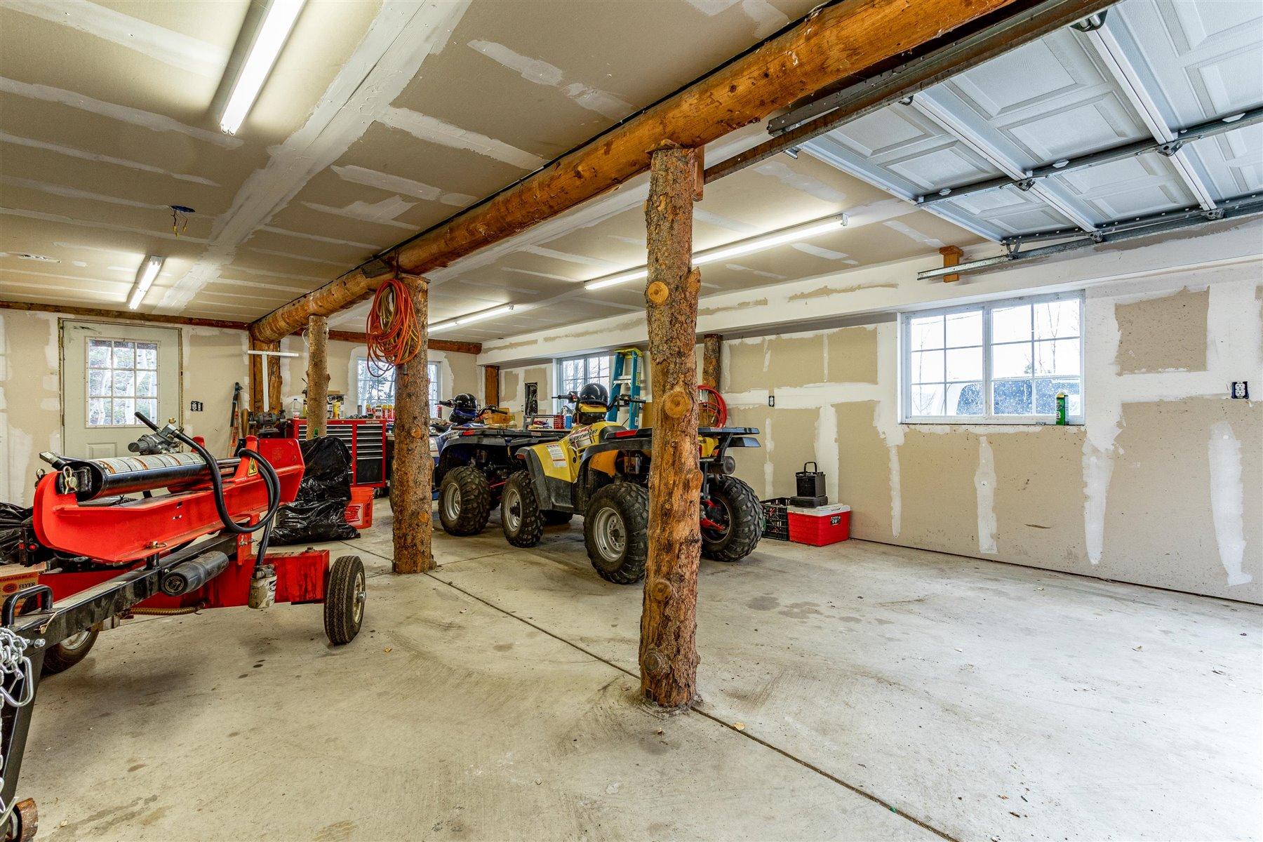 Garage at 1799 Robinson Hill Road