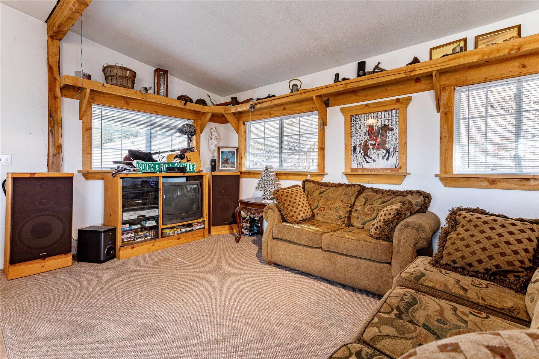 Living Room at 1799 Robinson Hill Road