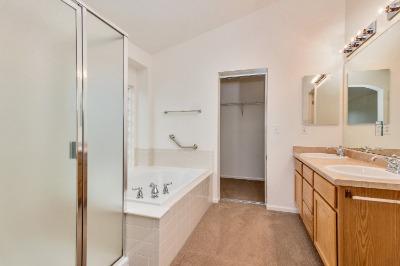 5 Piece Master Bath with Walk-In Closet